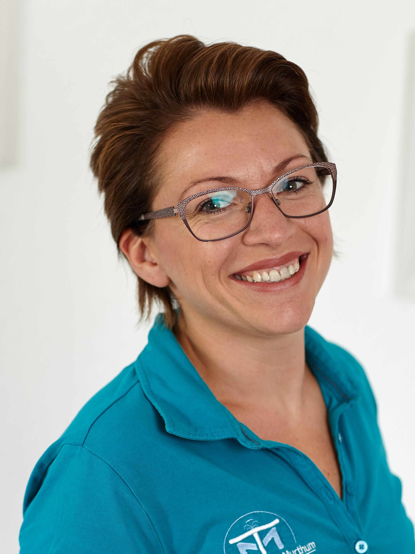 Alina Peters, MFA