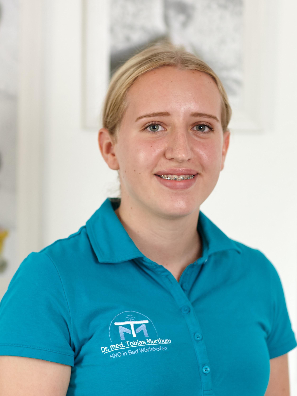 Luisa Schulze, Auszubildende